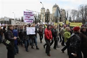 Latvian teachers protesting against cuts in their pay
